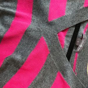 Raspberry/Gray sleeveless thin sweater vest